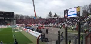 Rund 5.000 Fans begleiteten den 1.FCK nach Karlsruhe - gut gefüllter Gästeblock
