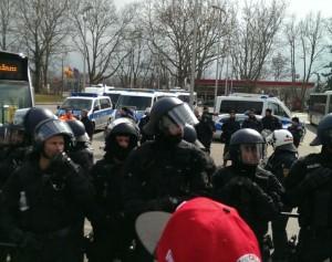 Die Sicherheitskräfte von vorne... Bild: hh