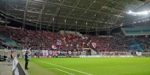 Heimische Fankurve im Leipziger Stadion Quelle: www.der-betze-brennt.de
