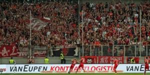 Jean Zimmer im Akustikdialog mit den Fans nach dem 2:0 (Quelle DBB)