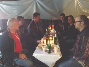 Geselligkeit in heiterer Runde - Grillfest in Mölschbach (©mg)