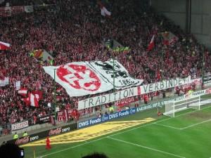 Bekenntnis zur Fanfreundschaft im Block (Foto: 1.FC Kaiserslautern)