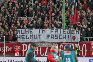 Gedenken für den verstorbenen... (Foto: www.der-betze-brennt.de)