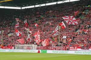26.047 Zuschauer sahen die gestrige Partie, deutlich mehr als zuletzt! (Foto: www.der-betze-brennt.de)