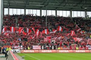 Fast 3.000 Lauterer mit am Millerntor (Foto: www.der-betze-brennt.de)