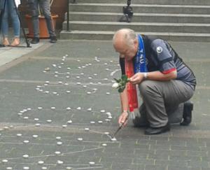 Auch FCK-Fans zeigten Solidarität (Foto: Ralph Seibel)