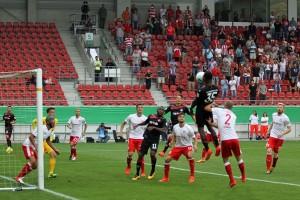 Osayamen Osawe erzwingt mit dem 3:3, die Verlängerung (Foto: www.der-betze-brennt.de)