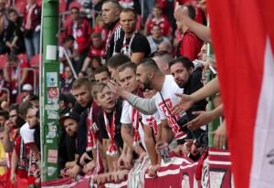 Aufgebrachte Fans nach dem Abpfiff (Foto: Thomas Füssler)