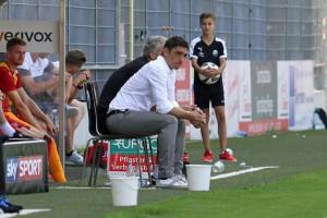 Wirkt etwas ratlos, Tayfun Korkut (Foto: www.der-betze-brennt.de)