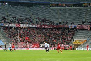 Trotz Montagabend, gut gefüllter Gästeblock (Foto: www.der-betze-brennt.de)