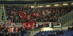 Knapp 800 Lauterer Fans reisten nach Hannover - an einem Montagabend! (Foto: Foto: www.der-betze-brennt.de)
