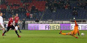 Hannover geht durch Uffe Bech 1:0 in Führung (Foto: Foto: www.der-betze-brennt.de)