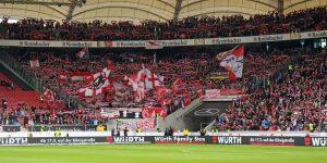 Tolle Kulisse im Gästebereich. Mehr als 5.000 Fans unterstützen den FCK im Stuttgart (Foto: www.der-betze-brennt.de)