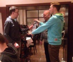 ...etwas später eingetroffen, Jan B. - nicht abgebildet, Alexander B. und Carsten S., die am Abend verhindert waren (Foto: edith)