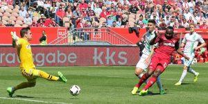 Das 1:0 ist unterwegs; Jaques Zoua (Foto: www.der-betze-brennt.de)