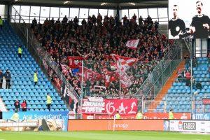 Rund 1.000 Fans hatten den FCK nach Bochum begleitet (Foto: www.der-betze-brennt.de)
