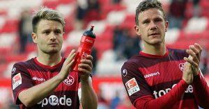 Enttäuschung nach dem Abpfiff, Daniel Halfar und Torschütze Marcel Gaus (Foto: www.der-betze-brennt.de)