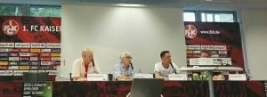 Die Vertreter auf dem Podium stellten sich auch den Fragen der Besucher (Foto: rs)