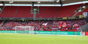 """Immerhin rund 2.500 FCK-Fans fanden den WEg ins """"Max-Morlock-Stadion"""" (Foto: www.der-betze-brennt.de)"""