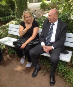 Kristina-Ann im Gespräch mit Weltmeister Horst Eckel (Foto: mg)