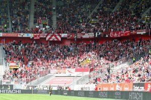 Gut 2.000 Fans begleiteten den FCK nach Düsseldorf (Foto: www.der-betze-brennt.de)