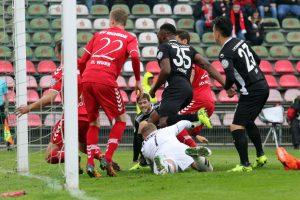 Stocherte den Ball zum 1:0 über die Linie, Osayamen Osawe (Foto: www.der-betze-brennt.de)