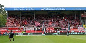 Fast 4.000 Fans waren dem FCK wieder einmal gefolgt. Zu feiern gab's nix ! (Foto: www.der-betze-brennt.de)