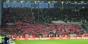 Rund 2.000 Fans begleiteten den FCK gestern nach Hamburg. Chapeau! (Foto: www.der-betze-brennt.de)