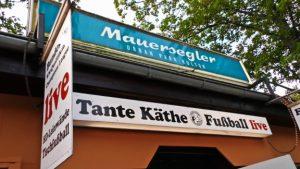 Fußball-Fankneipe Tante Käthe (Foto: Exilfans, Ferne Liebe)