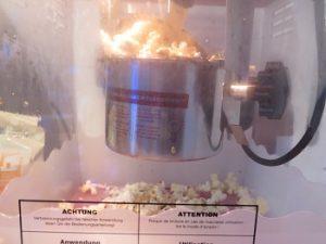Poppcorn salzig oder süß? Stilecht war's in der Kartoffelhalle (Foto: Fanprojekt Kaiserslautern)