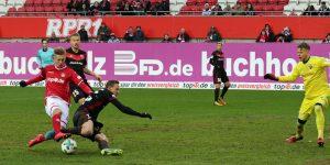 Hoffnungsvolles Talent, Torben Müsel gegen Ex-FCK Spieler Marcel Gaus (Foto: www.der-betze-brennt.de)