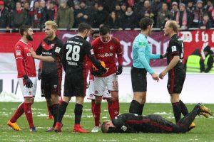 Eine von zahlreichen Unterbrechungen (Foto: www.der-betze-brennt.de)