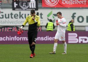Abgang nach der gelb-roten Karte, Marius Müller (Foto: Thomas Füssler)