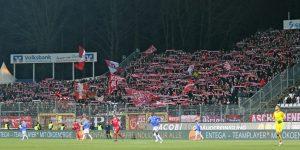 Rund 3.000 FCK-Fans waren am Böllenfalltor dabei (Foto: www.der-betze-brennt.de)
