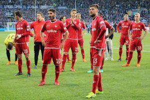 Enttäuschung und Leere auch bei etlichen Spielern (Foto: www.der-betze-brennt.de)