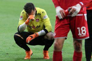 Bittere Tränen nach dem Abpfiff, Marius Müller (Foto: www.der-betze-brennt.de)