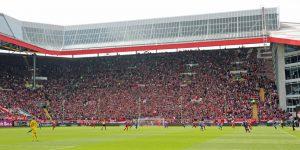 27.242 Zuschauer fanden den WEg ins Stadion (Foto: www.der-betze-brennt.de)
