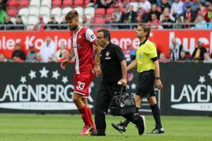 Mit einer Knieverletzung musste der Lituaer in der 62. Minute raus (Foto: www.der-betze-brennt.de)