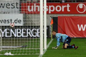 Der Ball zappelt im Netz. Der Treffer zum 3:2 (Foto: www.der-betze-brennt.de)