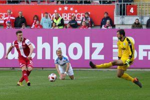 Scheitert am Keeper, Christian Kühlwetter (Foto: www.der-betze-brennt.de)