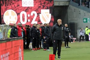 Ernüchterung am ende auch bei Coach Michael Frontzeck (Foto: www.der-betze-brennt.de)
