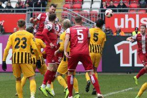 Trifft per Kopf zum 1:0 für den 1.FCK, Jan Löhmannsröben (Foto: www.der-betze-brennt.de)