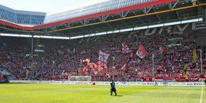 Richtig Stimmung auf der West gab es nur im ersten Durchgagn (Foto: www.der-betze-brennt.de)