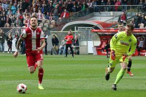 Chance vertan, Timmy Thiele (Foto: www.der-betze-brennt.de)