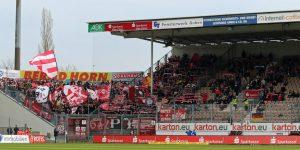Die rund 1.000 mitgereisten Fans hatten wenig anlass zur Freude (Foto: www.der-betze-brennt.de)