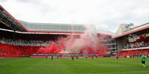 Der Südwesten ist rot-weiß-rot! Teil der Choreo vor dem Anpfif (Foto: www.der-betze-brennt.de)