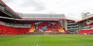 Erster Teil der größten Choreographie, die je im Fritz-Walter-Stadion gezeigt wurde (Foto: www.der-betze-brennt.de)